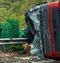 Carga de frutas espalhada na pista . Crédito: Leitor/ A Gazeta