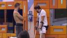 Gil e Caio passaram boa parte da tarde de sábado (27) esperando o toque do Big Fone. Crédito: Reprodução/Rede Globo