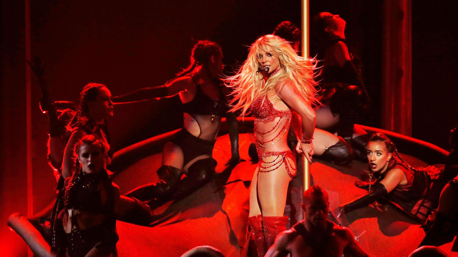 Britney Spears durante o Billboard Awards 2016, em Las Vegas (EUA): não se sabe ao certo se a cantora continuou trabalhando durante uma década por vontade própria ou forçada pela tutela