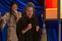 Frances McDormand e Chloe Zhao recebendo o prêmio por