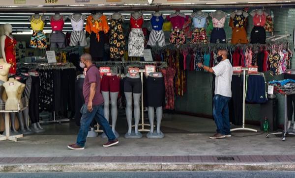 Movimentação no comércio de rua no Centro de Vitória:setor de vestuário espera aumento de vendas em função do Dia das Mães