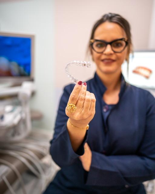 De acordo com a ortodontista Flávia Machado, em situações especiais, o paciente pode ser monitorado remotamente a partir de fotografias padronizadas.