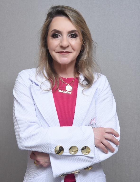 De acordo com a dermatologista Karina Mazzini, cada paciente tem sua particularidade, por isso a recomendação de tratamento deve ser feito de forma individualizada.