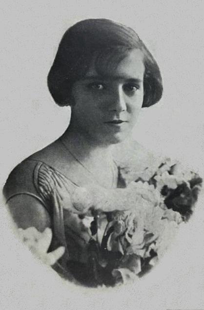 Ruth Alves de Carvalho, vencedora do primeiro Miss Espírito Santo, em 1926, promovido pela revista Vida Capichaba
