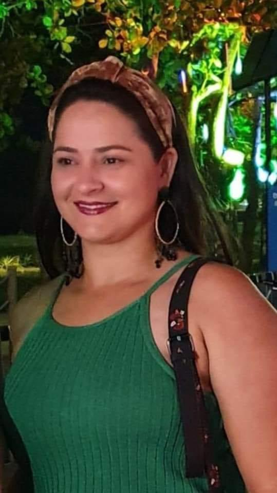 A professora Regiane Caetano, de 38 anos, vivia seu sonho profissional como educadora