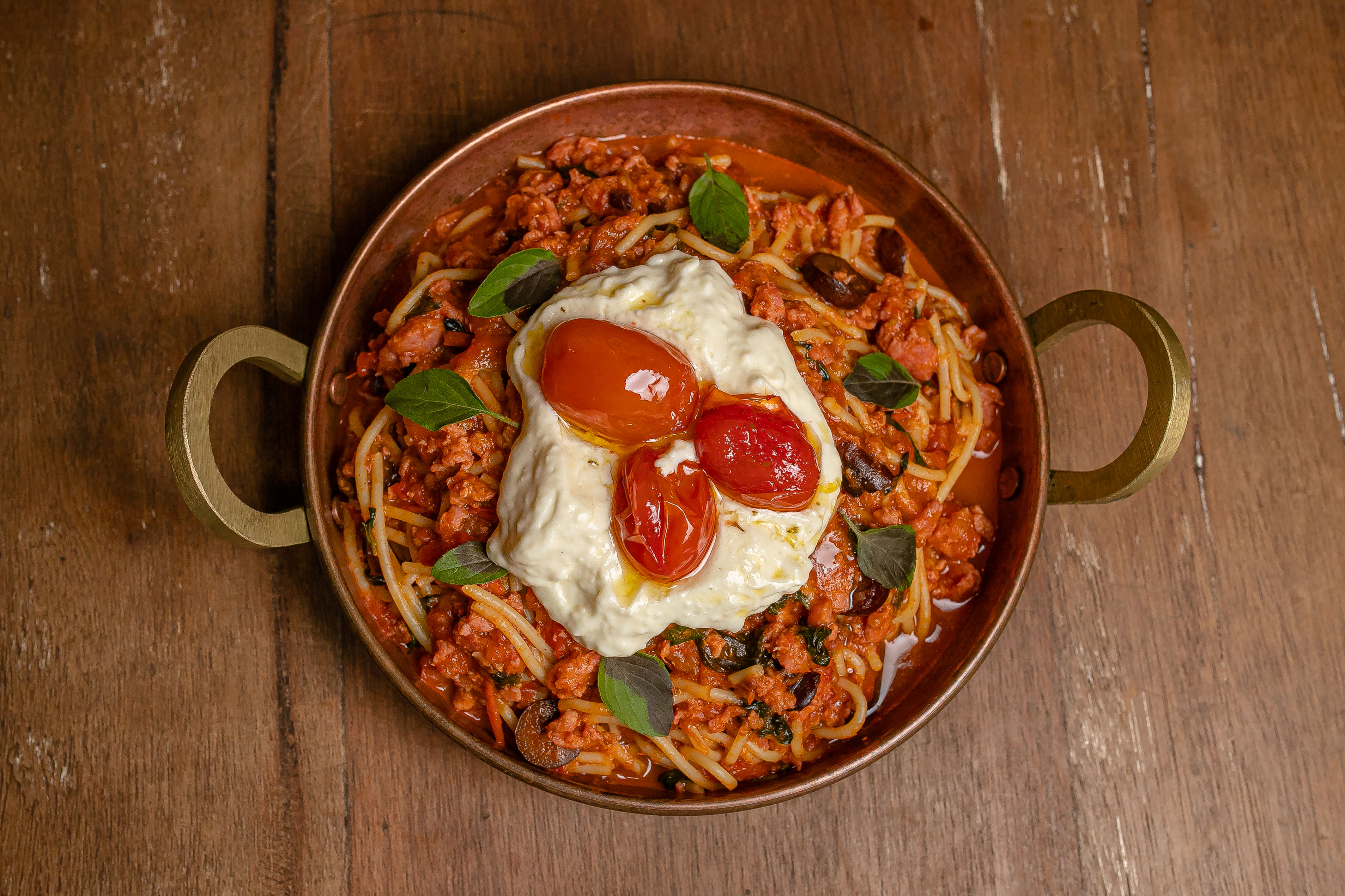Spaghetti Toscana من مصنع النبيذ الإيطالي Gioconda، em Santa Teresa