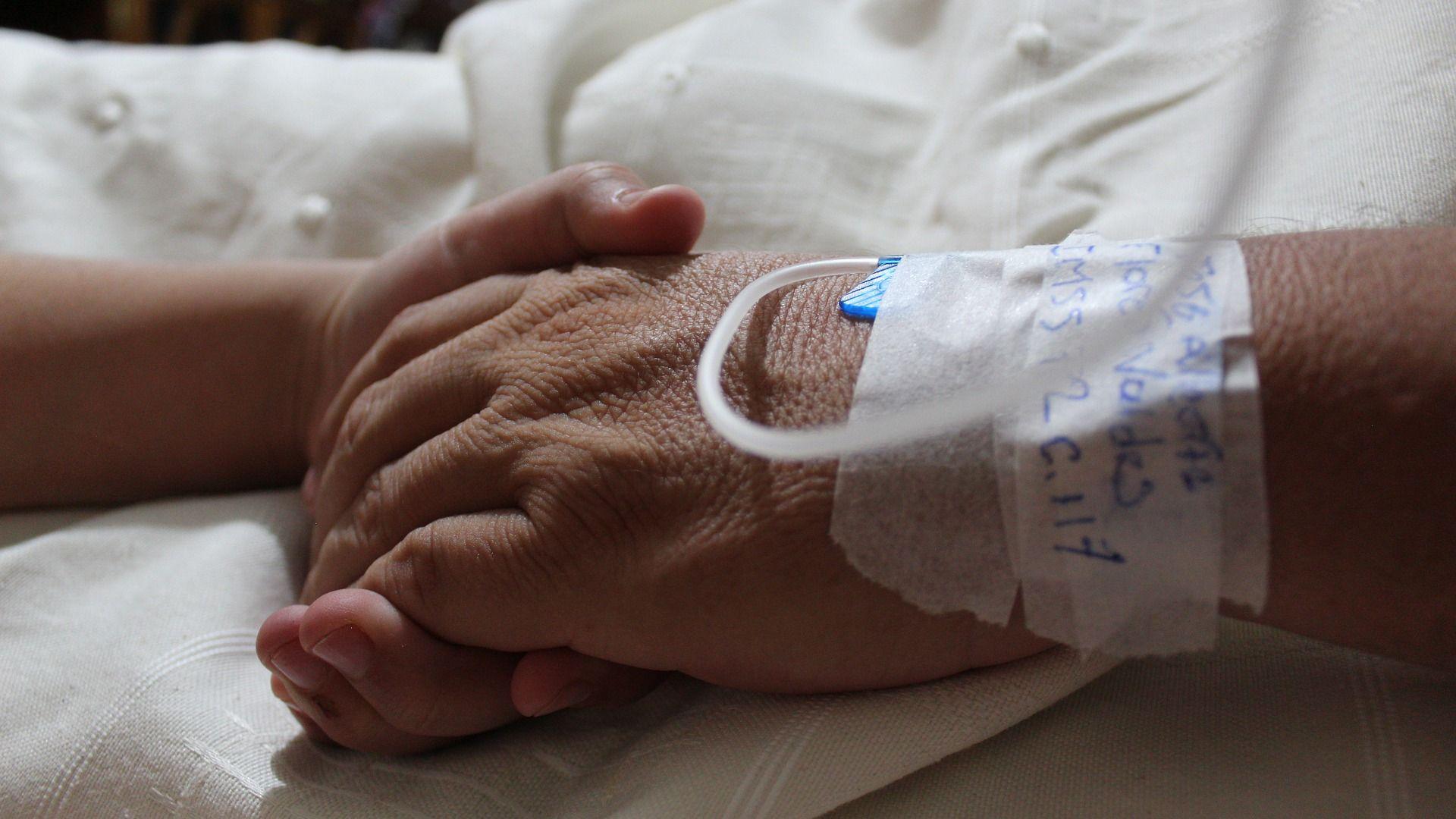 Morte de idosos por Covid-19 impacta finanças das famílias