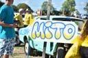 Carros estilizados com dizeres em apoio ao Presidente Jair Bolsonaro