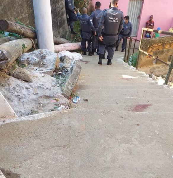 Tiroteio em Zumbi dos Palmares deixa um homem morto e mulher e criança baleados