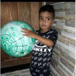Jhonatan Pereira dos Santos, 5 anos, morreu baleado em Vila Velha