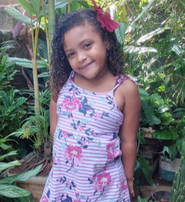 Vitória Francisca Andrade Barbosa, de 5 anos, morreu após se engasgar . Crédito: Arquivo da família