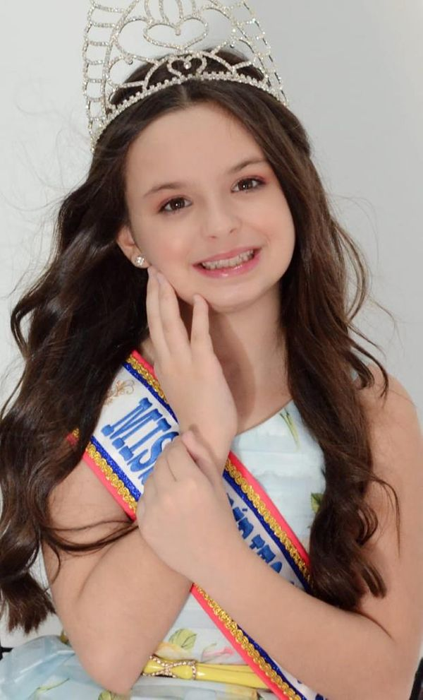 A Miss Espírito Santo Mini 2021, Laura Dadalto, de 8 anos