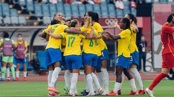 Brasileiras celebram um dos gols marcados
