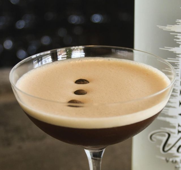 Expresso Martini, drinque alcoólico para o inverno