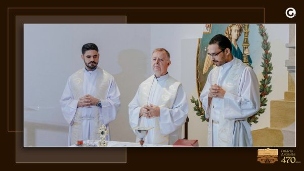 Missa celebrada em 2019 no Palácio Anchieta marca reaproximação dos jesuítas com o prédio: padre Bruno Franguelli, padre Nilson Maróstica e padre José Célio