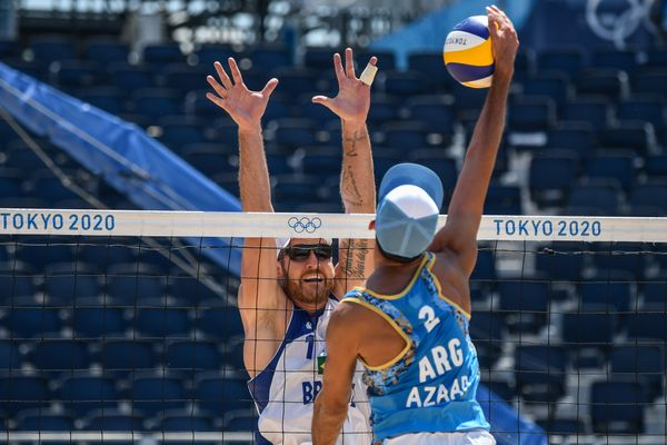 Alison e Álvaro Filho vencem na estreia das Olimpíadas de Tóquio gk3eh9n