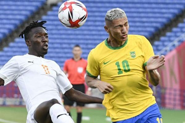 O Brasil enfrentou a seleção da Costa do Marfim 6y4evku
