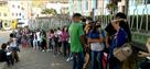 Com vagas já preenchidas, jovens esperam por vacina em Colatina