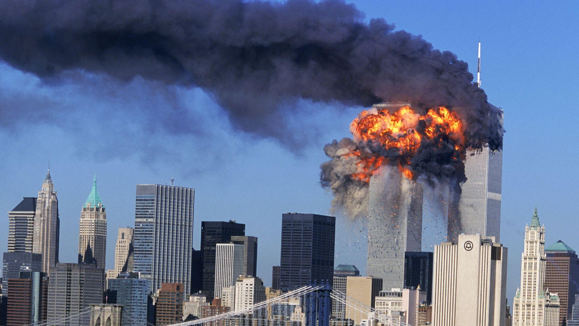 Ataque terrorista às Torres Gêmeas do World Trade Center, em 11 de setembro de 2001, em Nova York