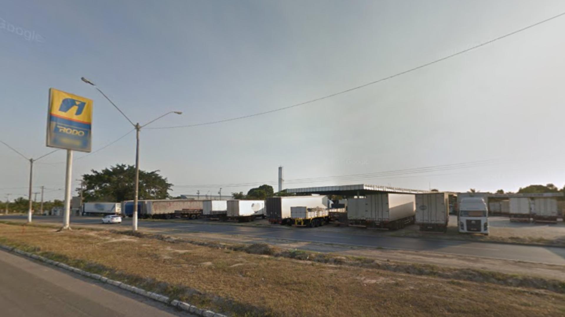 Posto de gasolina, em Linhares, onde o caminhão, sem a carga, foi encontrado. Crédito: Google Maps