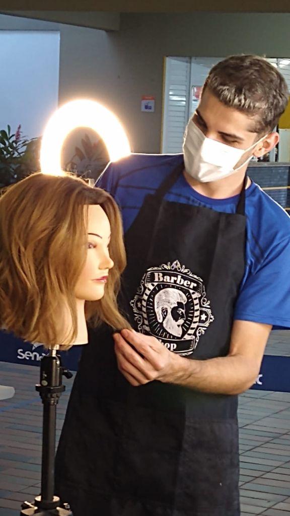 Júlio Hermes de Souza Moraes sempre soube que seria cabelereiro e por isso se matriculou no Senac ES.