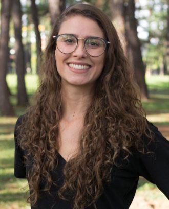 Cientista política e co-fundadora da ONG #ElasNoPoder, Letícia Medeiros.
