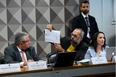 Depoente, fundador do blog Terça Livre, jornalista Allan dos Santos, em pronunciamento na CPI das Fake News