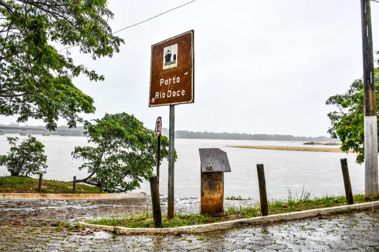 Rio Doce sobe, mas situação ainda é crítica no Norte e Noroeste do ES. Crédito: Felipe Tozatto/Prefeitura de Linhares/Divulgação